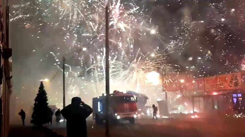Předčasný Silvestr: V Rusku vzplál sklad s pyrotechnikou