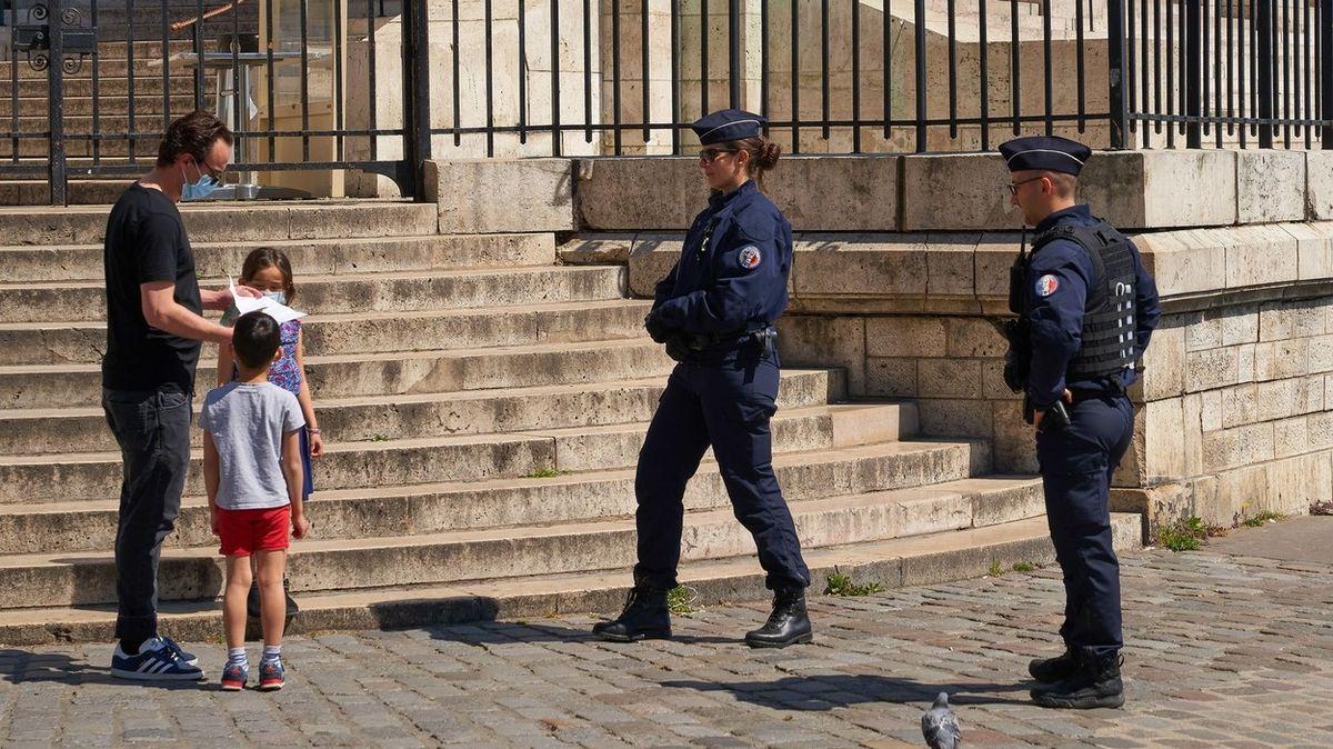 Francouz porušil karanténu, protože chtěl někoho zbít