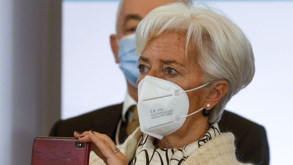 Pokud lockdowny neskončí v březnu, bude to důvod k obavám, řekla šéfka ECB Lagardeová
