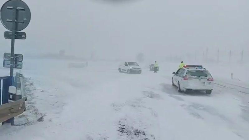 Na Slovensku zůstaly kvůli počasí desetitisíce lidí bez elektřiny