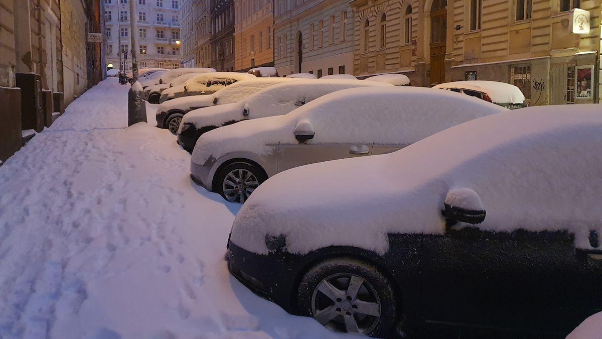 Meteorologové varovali před sněžením