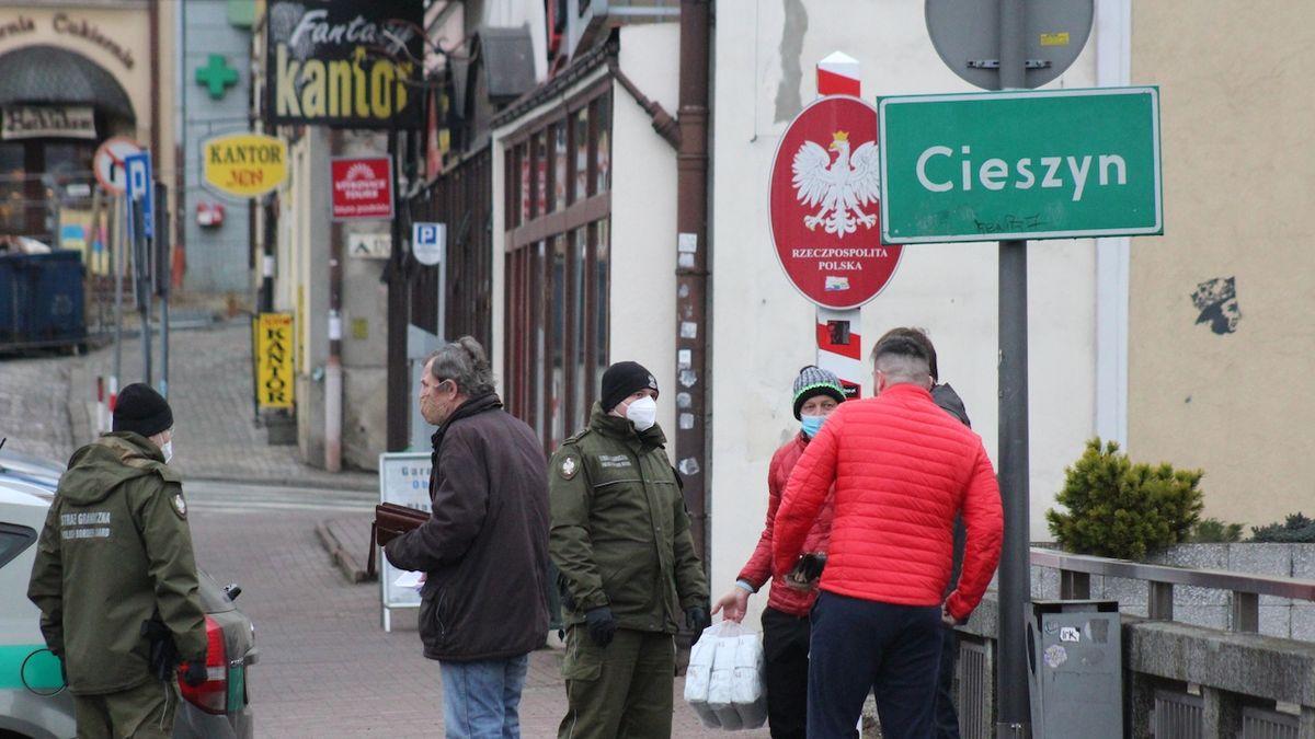 Polsko od pondělí rozvolní, pro tři regiony u českých hranic to ale neplatí