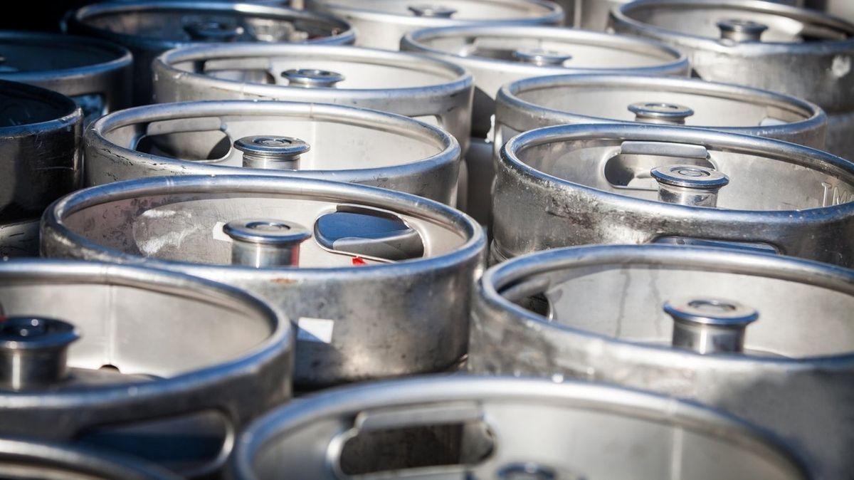 Velká pivní loupež: Zloději ukradli 700 litrů piva z potopeného vraku lodi