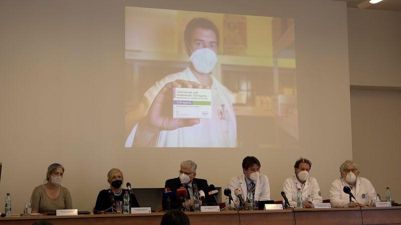 Brífink ředitele nemocnice v Motole k distribuci léku na covid od Regeneronu