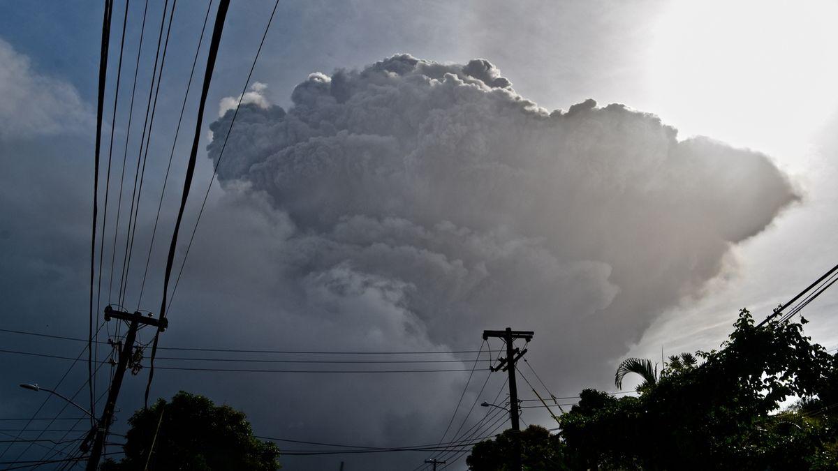 Karibský ostrov Svatý Vincenc zasypal sopečný popel, pokračuje evakuace