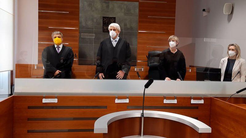 Nejvyšší správní soud odmítl další návrh na zrušení testování ve firmách