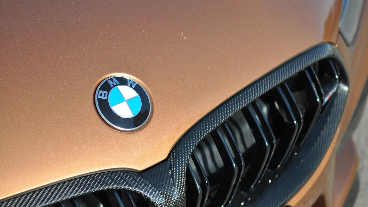 Staromilské BMW na obzoru, nafocen maskovaný prototyp kupé řady 2