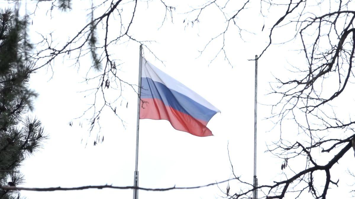 Česko se brání, za konec ruské školy si ambasáda může sama