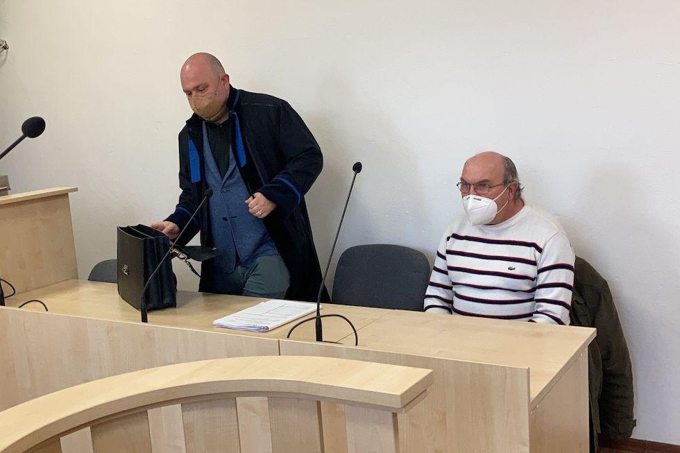 Miloslav Vodička (vpravo) se svým obhájcem Milanem Dočkalem ve strakonické soudní síni.