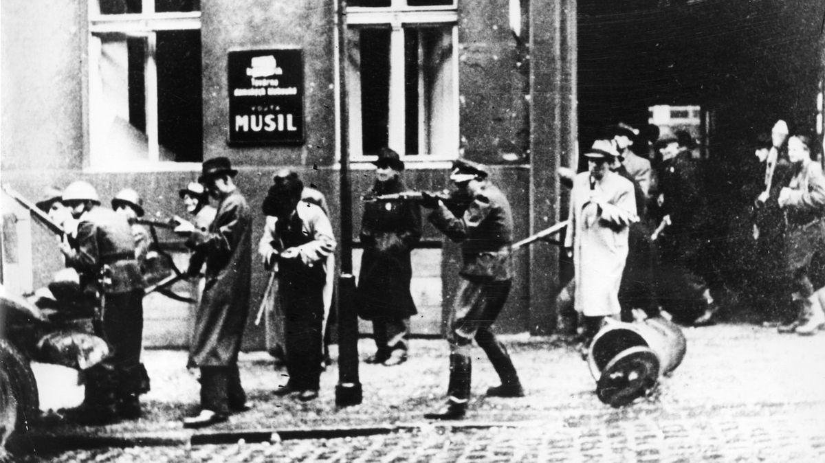 Praha si letos padlé během povstání připomene virtuální mapou