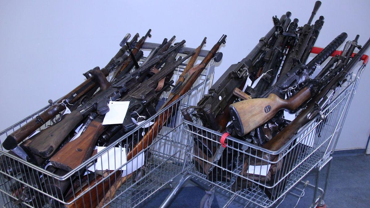 Slováci odevzdali 1615 zbraní a 53 tisíc kusů střeliva