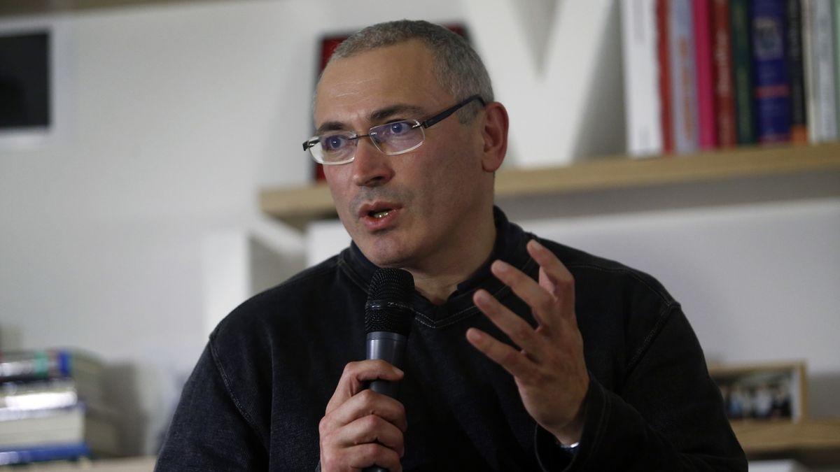 Chodorkovskij: Kreml má přes oligarchu Jakunina kontakty v české vládě