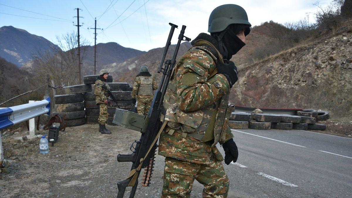 Ázerbájdžán zajal šest arménských vojáků, prý chtěli překročit hranici