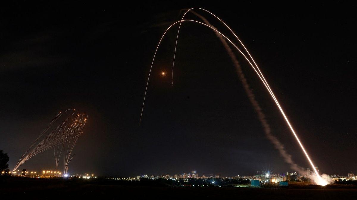 FOTO: Vražedný tanec raket nad Izraelem a Pásmem Gazy