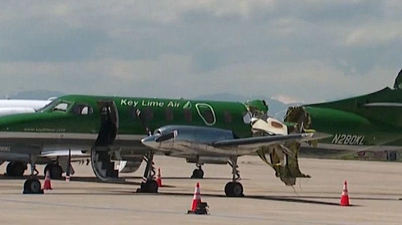 U amerického Denveru se v letu srazila letadla. Pilot se musel katapultovat