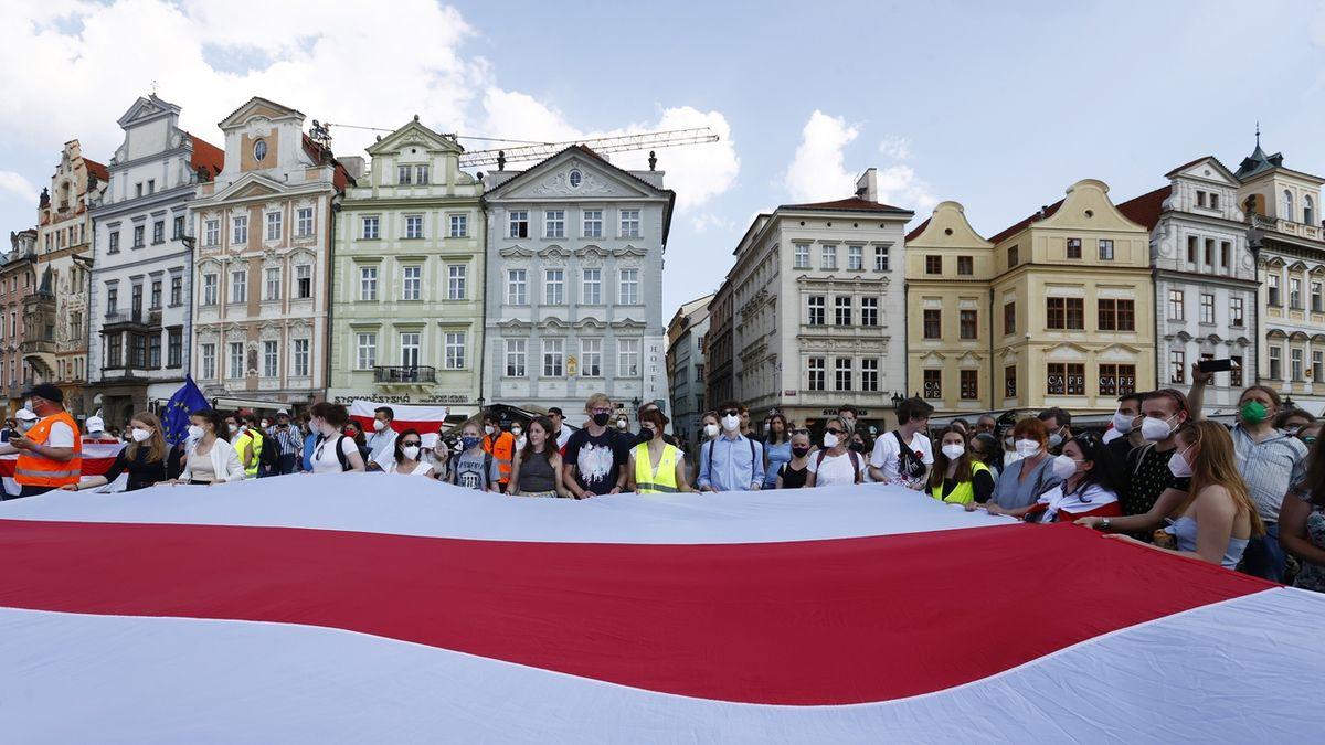 Vnitro odmítlo ochranu disidentovi z Běloruska. Není to vyhoštění, ujišťuje Hamáček