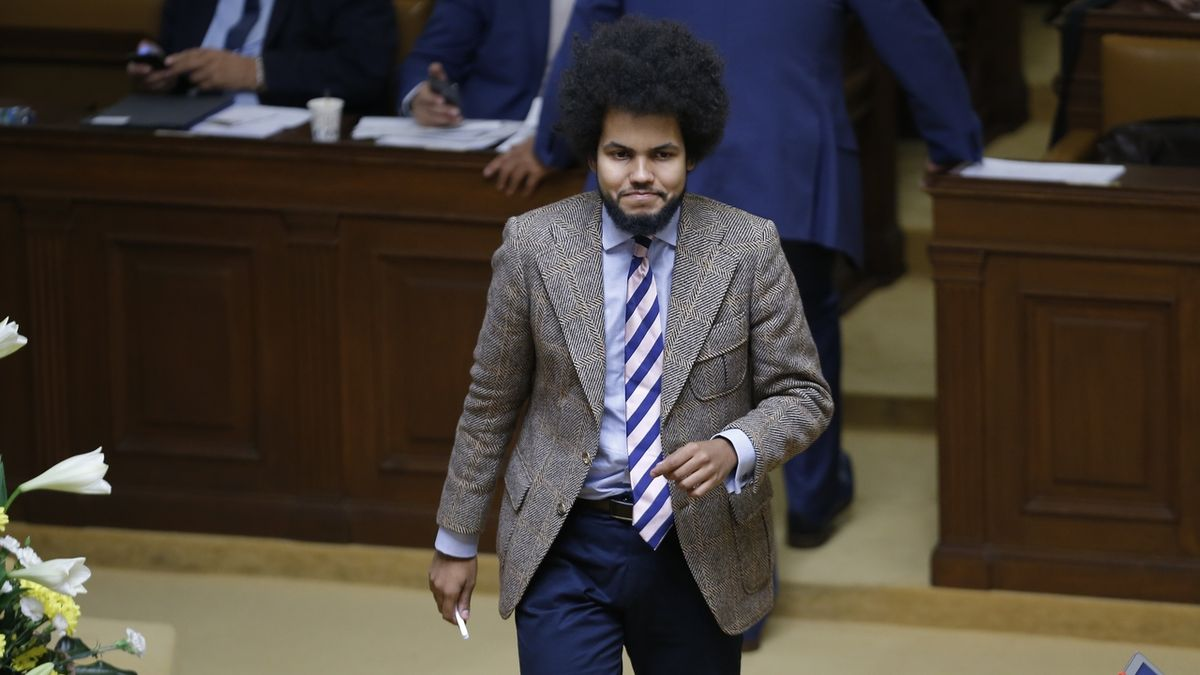 Feri rezignoval na poslanecký mandát dopisem
