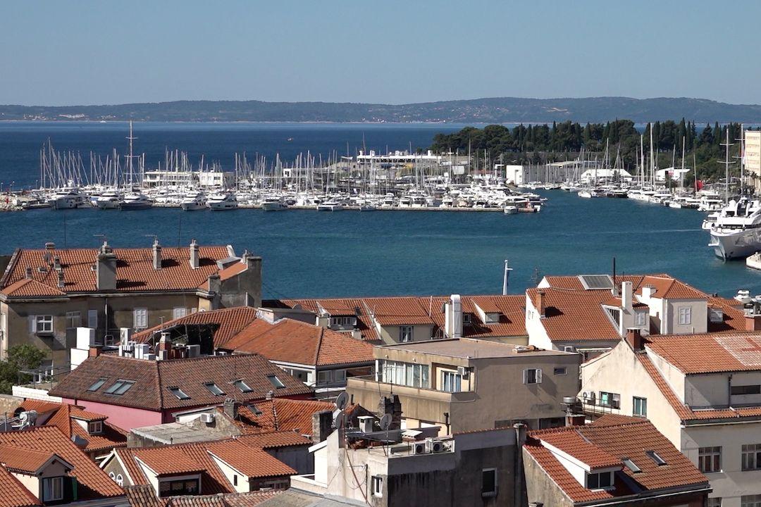 V přístavním městě Split žije zhruba 200 tisíc obyvatel.