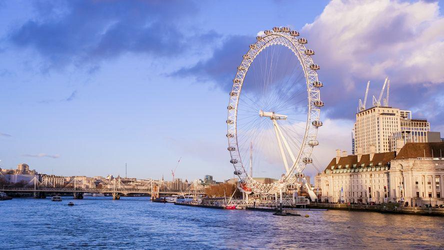Londýnské vyhlídkové kolo se pyšní unikátním barem