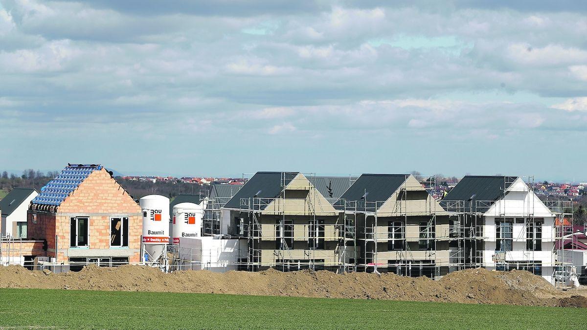 Materiály extrémně zdražují, lidem se hroutí kalkulace staveb