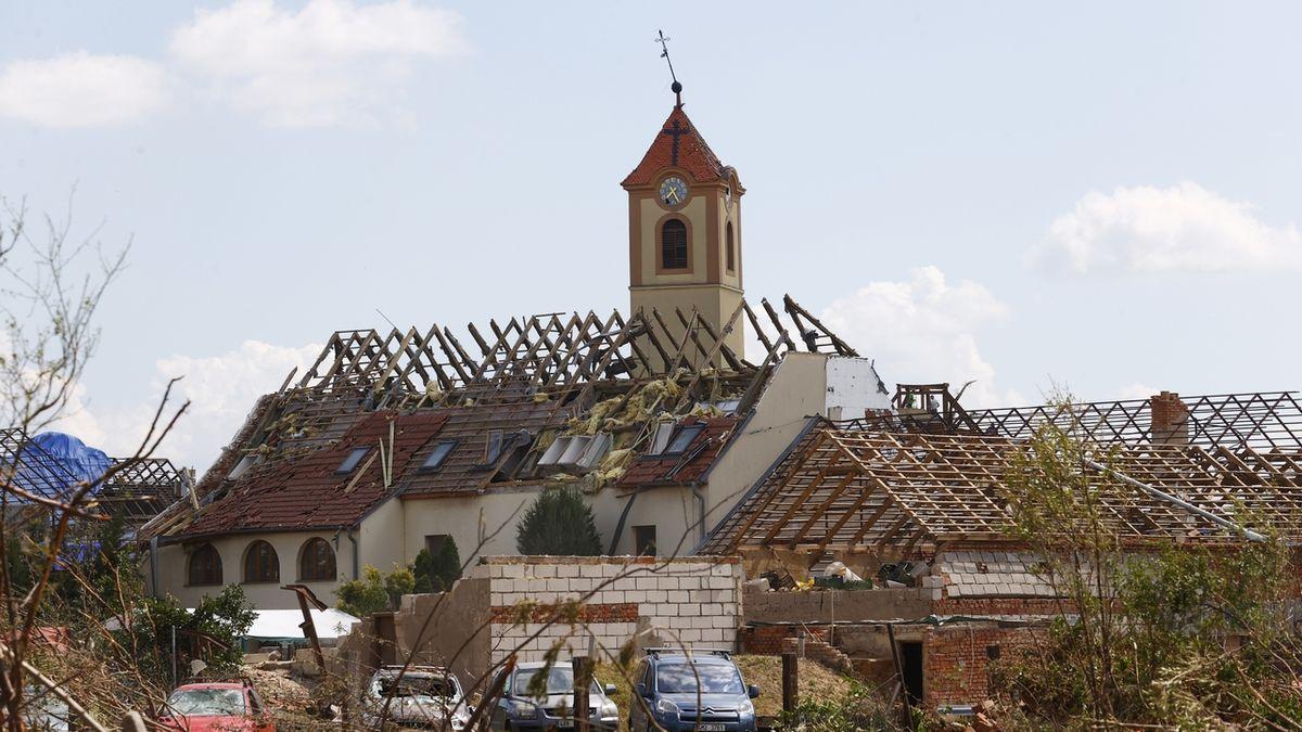 Pojišťovny mají nahlášeny z červnových bouřek škody za 3,8 miliardy