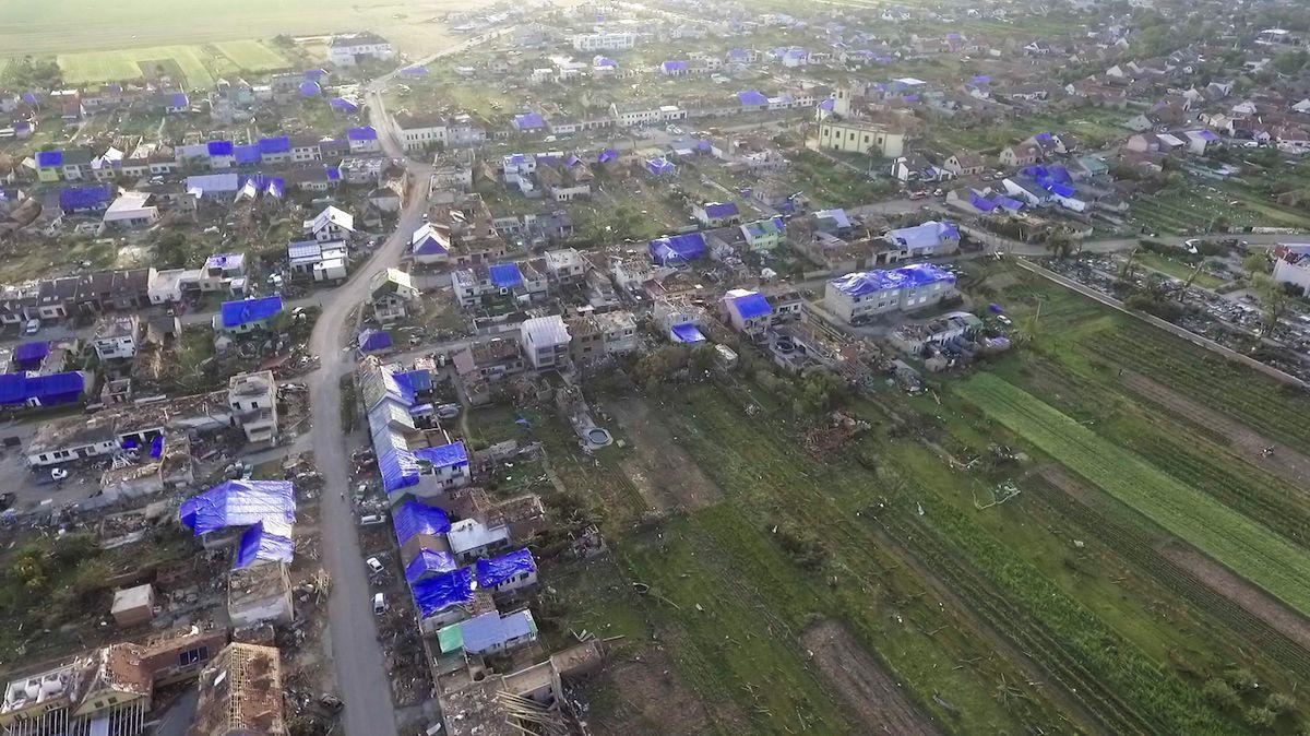 Zemědělské škody po tornádu dosáhly 1,5 miliardy korun, oznámilo ministerstvo