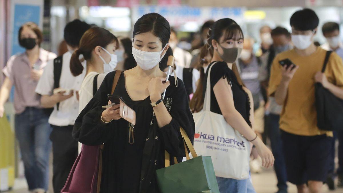 Japonské úřady veřejně zostuzují osoby porušující protikoronavirové zákazy