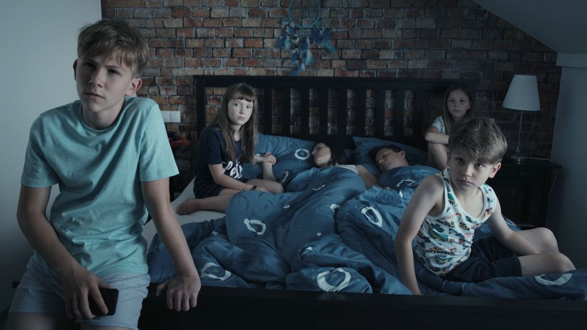 RECENZE: Filmu Spící město vévodí děti