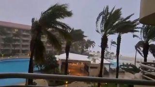 Mexiko zasáhl hurikán Olaf, k Tchaj-wanu se blíží tajfun Chanthu