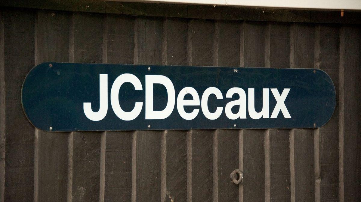 Firma JCDecaux pravomocně odsouzena za manipulaci s veřejnou zakázkou