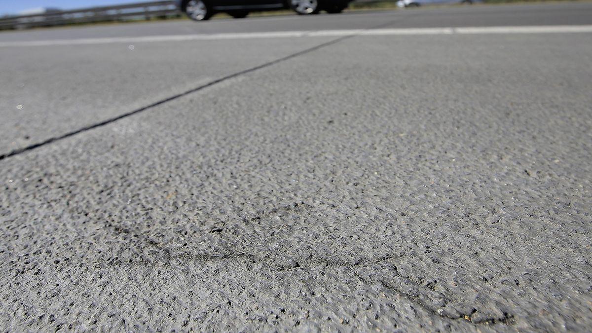 Opravenou dálnici D1 budou znovu opravovat, popraskal na ní beton