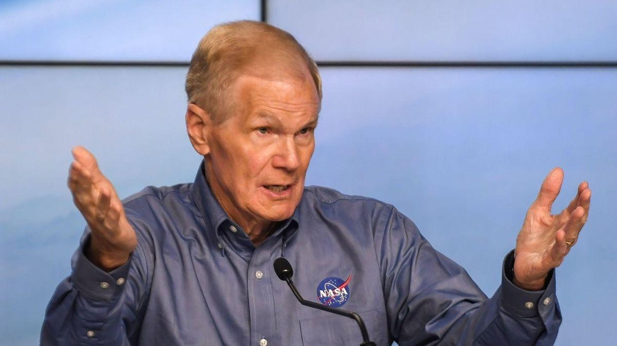 NASA kvůli žalobě Bezosovy firmy zastavila práce na lunárním modulu SpaceX