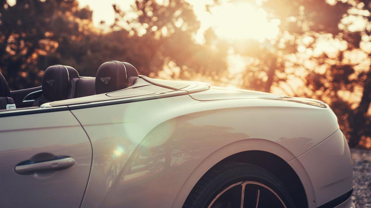 Bentley s lakem Dove Grey