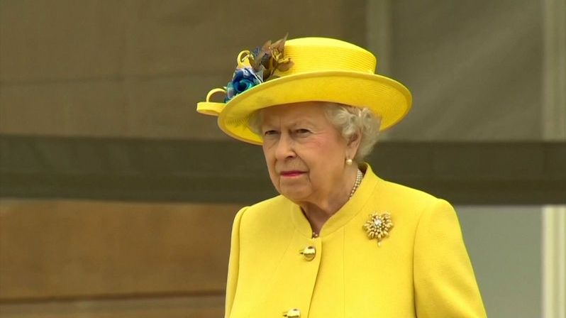Pocta zavražděnému poslanci: Královna Alžběta učinila mimořádný krok