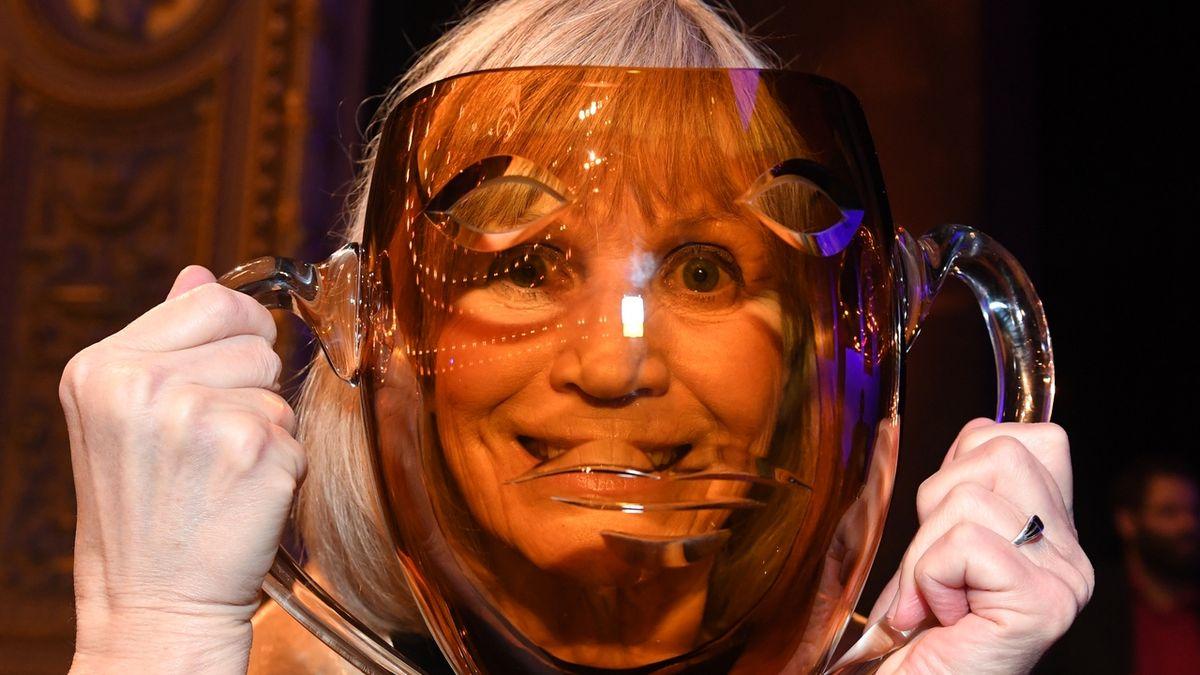 Cenu za celoživotní mistrovství v kategorii muzikál převzala Jitka Molavcová.