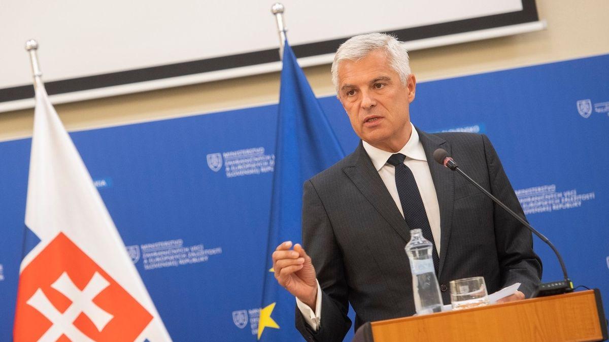 Maďarsko ustupuje od nákupu půdy na Slovensku
