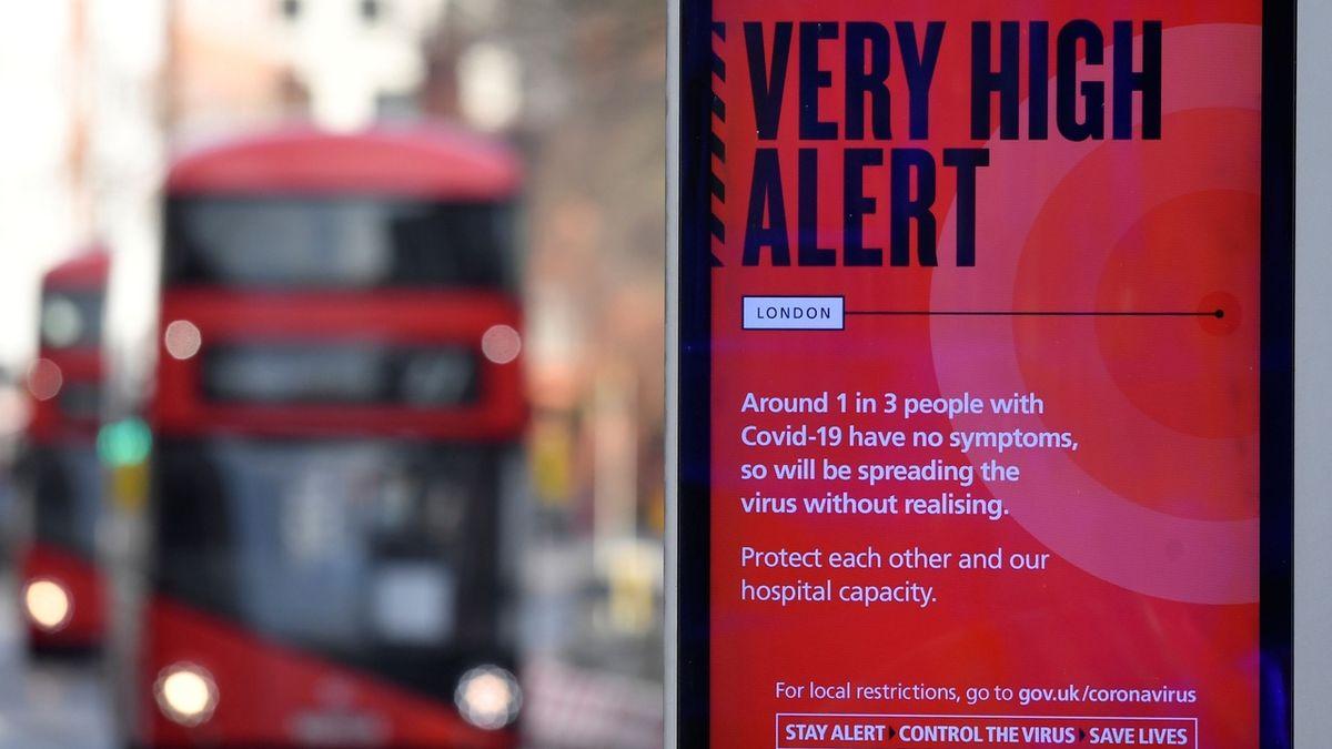Mutace viru není pod kontrolou, přiznala Británie. Evropa reaguje