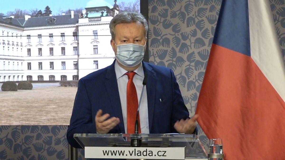 Vodoprávní úřad nekoordinoval odběry vzorků v Bečvě, zlobí se Brabec