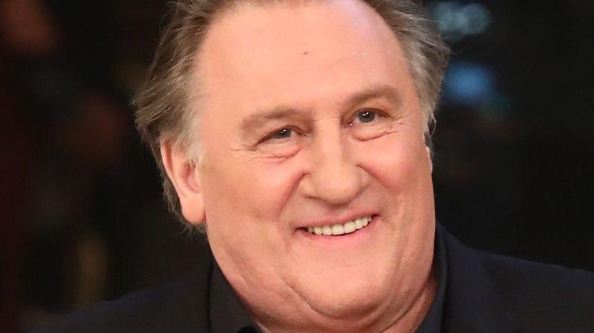 Gérard Depardieu čelí obvinění ze znásilnění mladé herečky