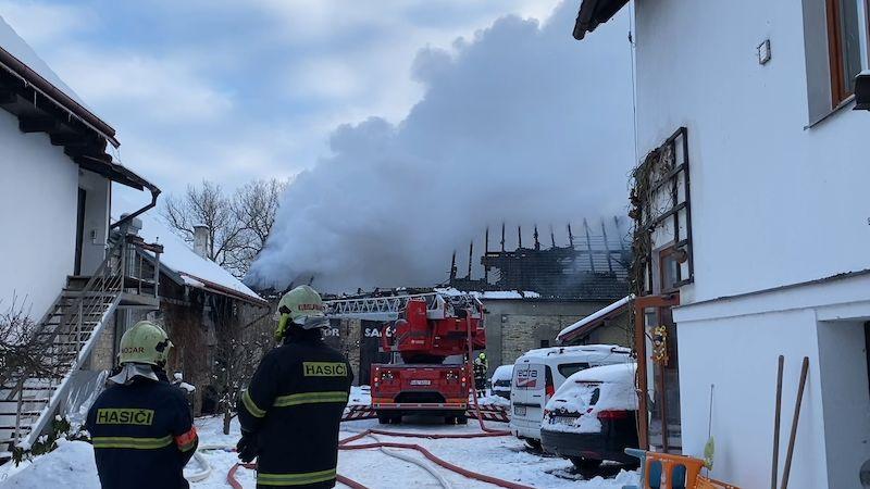 Na Kladensku hořela stodola