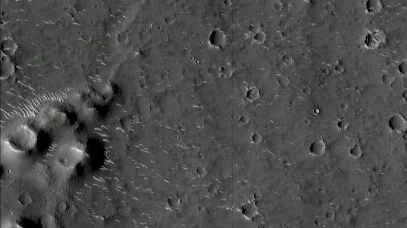 Čínská sonda poslala snímky Marsu ve vysokém rozlišení
