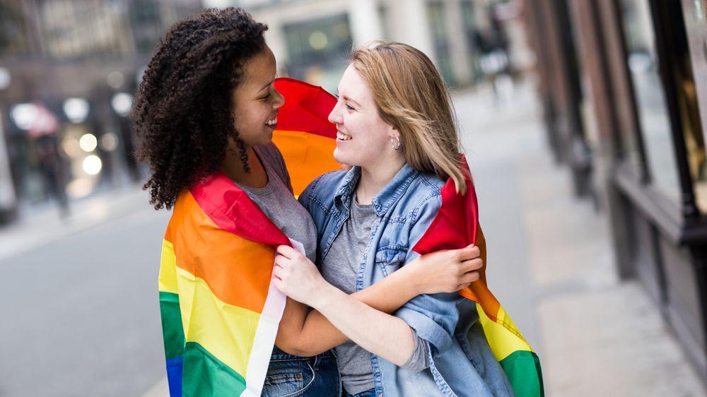 EU je zónou svobody sexuálních menšin, usnesl se Evropský parlament