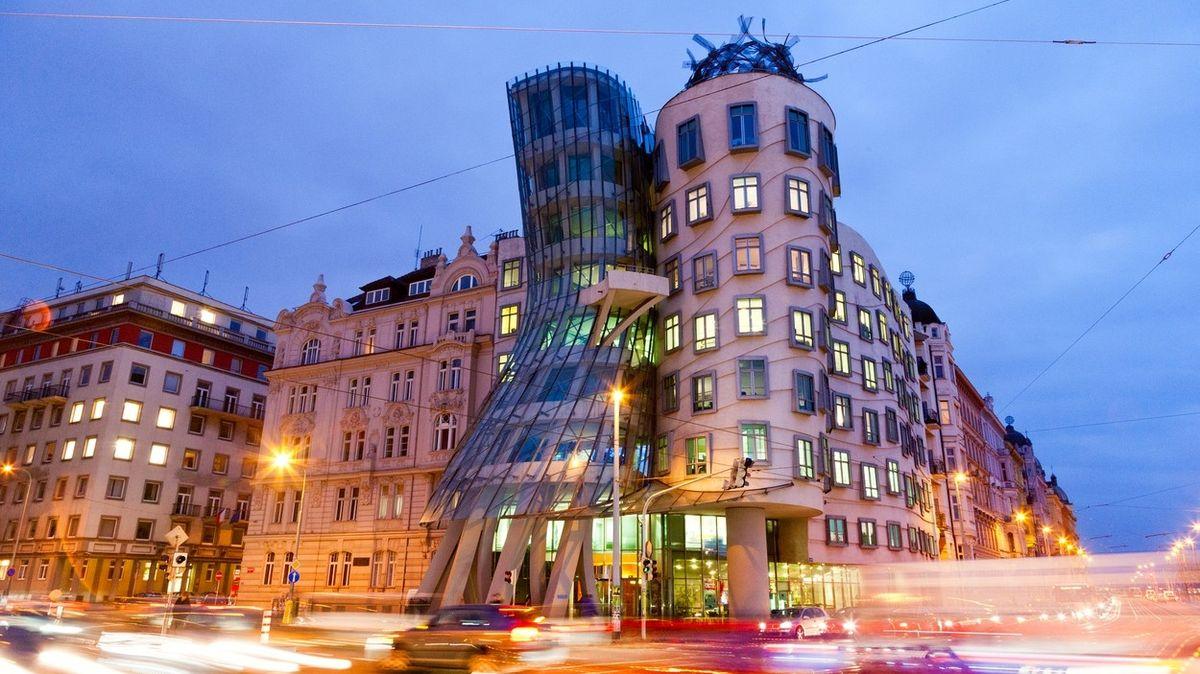 Pražský Tančící dům je devátou nejhezčí stavbou světa