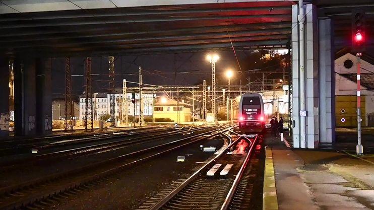 Vlaky v Praze zabily dva muže
