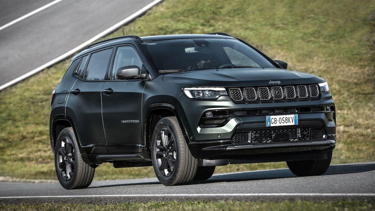 Jeep Compass prošel modernizací, zvládne řídit částečně sám