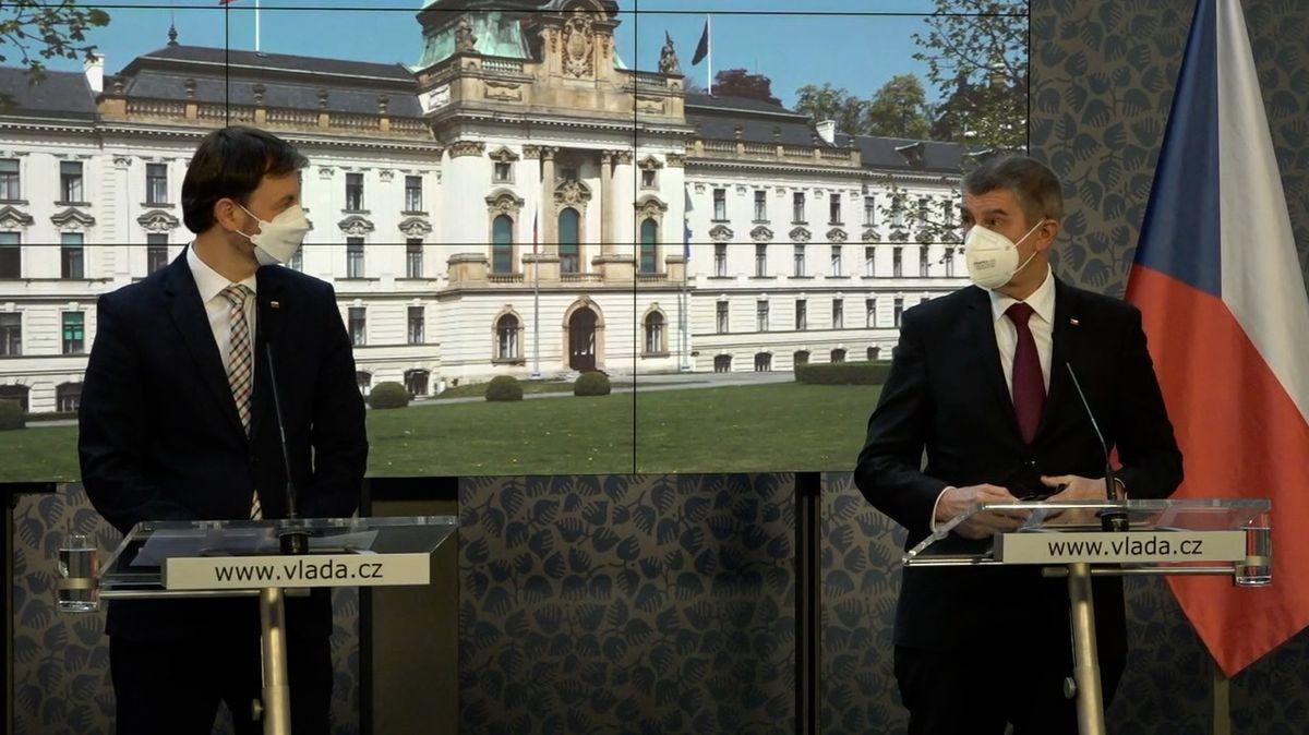 Slovensko dá Česku 10 tisíc dávek vakcíny od Moderny