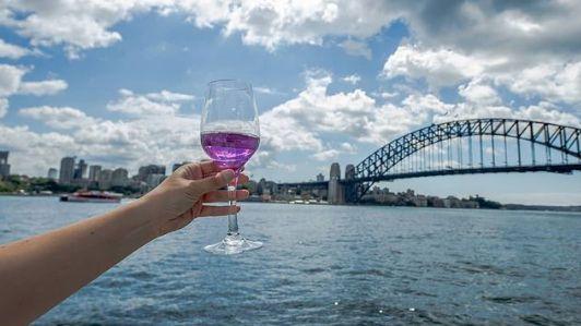 Fialové víno hezky vypadá - ovšem nejen to