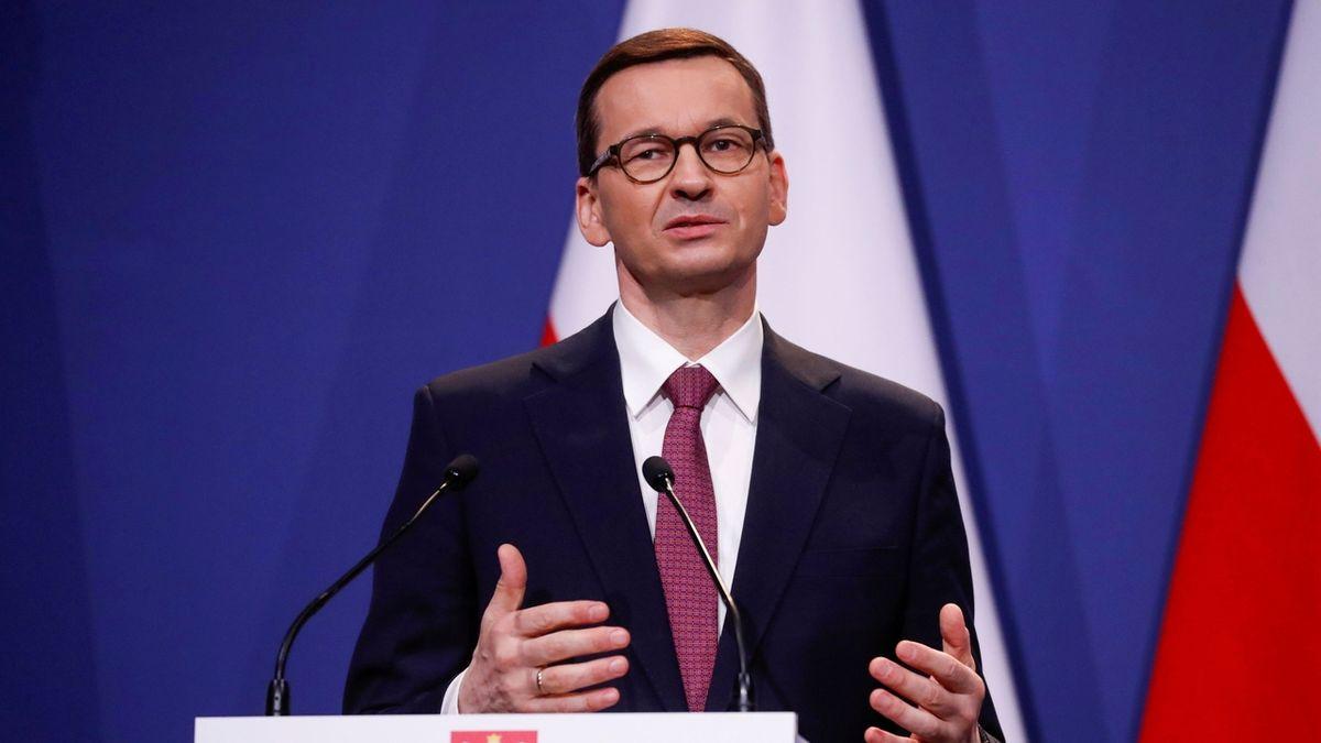 Polsko zavede zvláštní korporátní daň ze zisku. Má vyplnit propad ve zdravotním pojištění