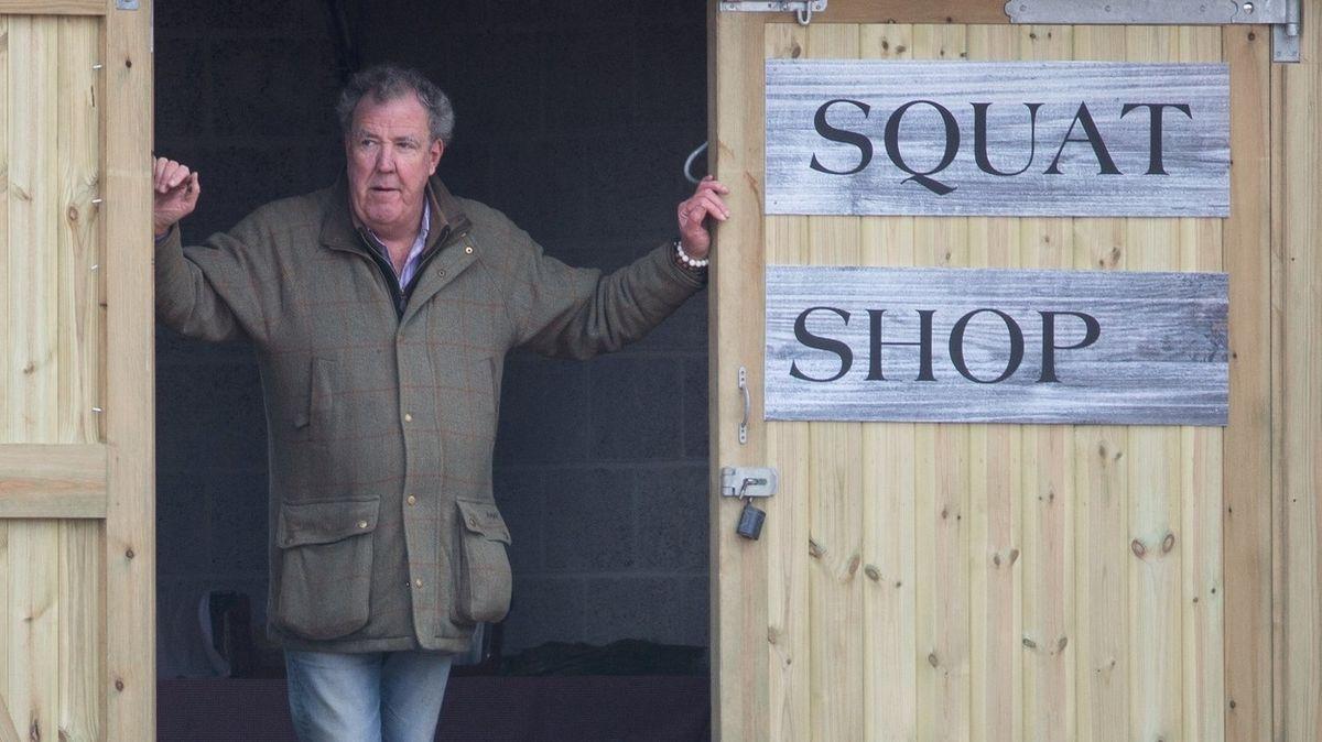 Jeremy Clarkson má nový pořad, auta vyměnil za traktory a ovce