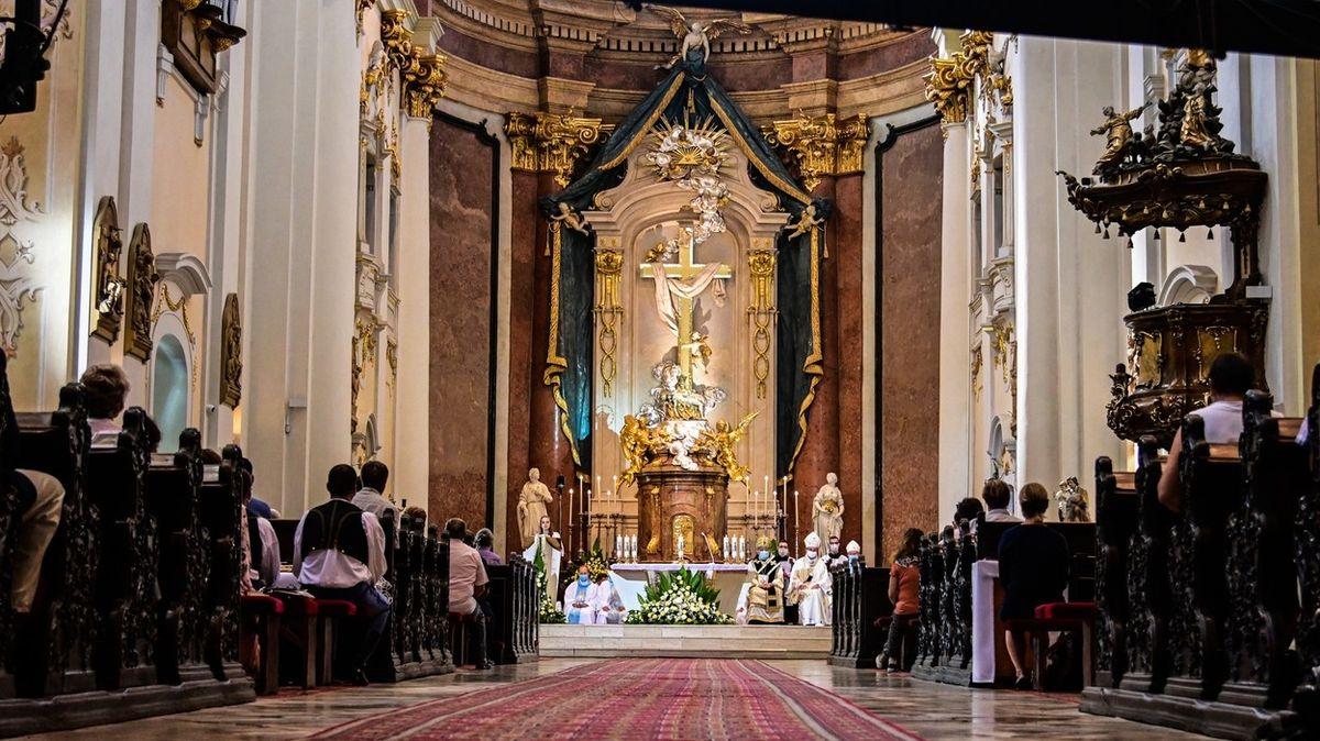 Církev se opět pokusí o blahořečení kontroverzního biskupa Vojtaššáka
